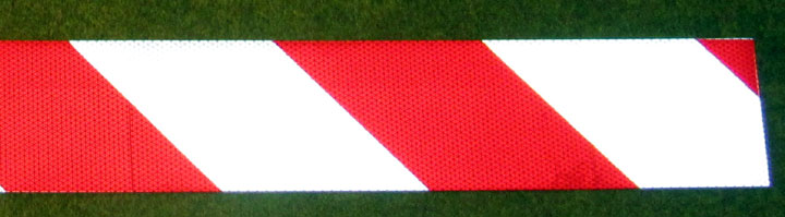 red white chevron panel